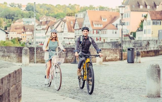 Radfahrer in Schwäbisch Hall bei der Henkersbrücke